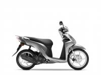 skútr Honda Vision 110, stříbrná Moondust