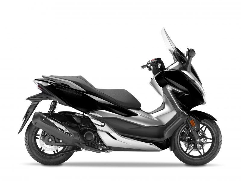 skútr Honda  Forza 300 ABS, černá Nightstar
