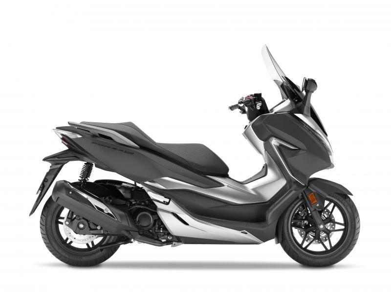 skútr Honda  Forza 300 ABS, šedá matná Cynos