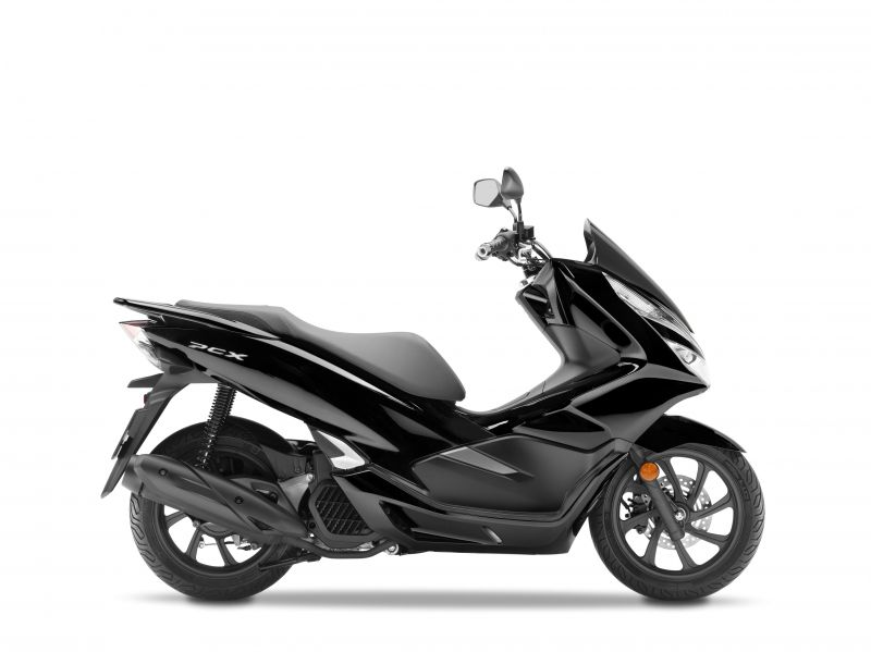 skútr Honda PCX125, černá Nighstar