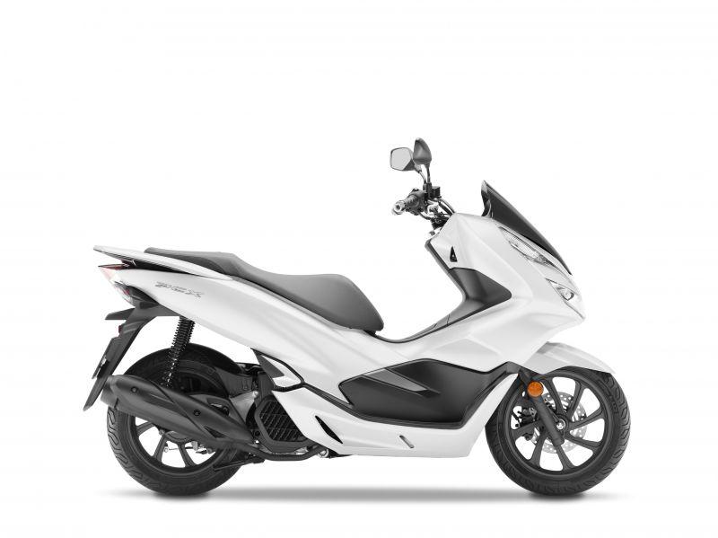 skútr Honda PCX125, bílá Cool